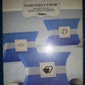 Wilton box of 50 Pillow Boxes in Blue